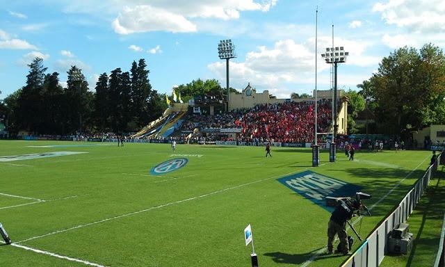 Estadio del CASI tribuna