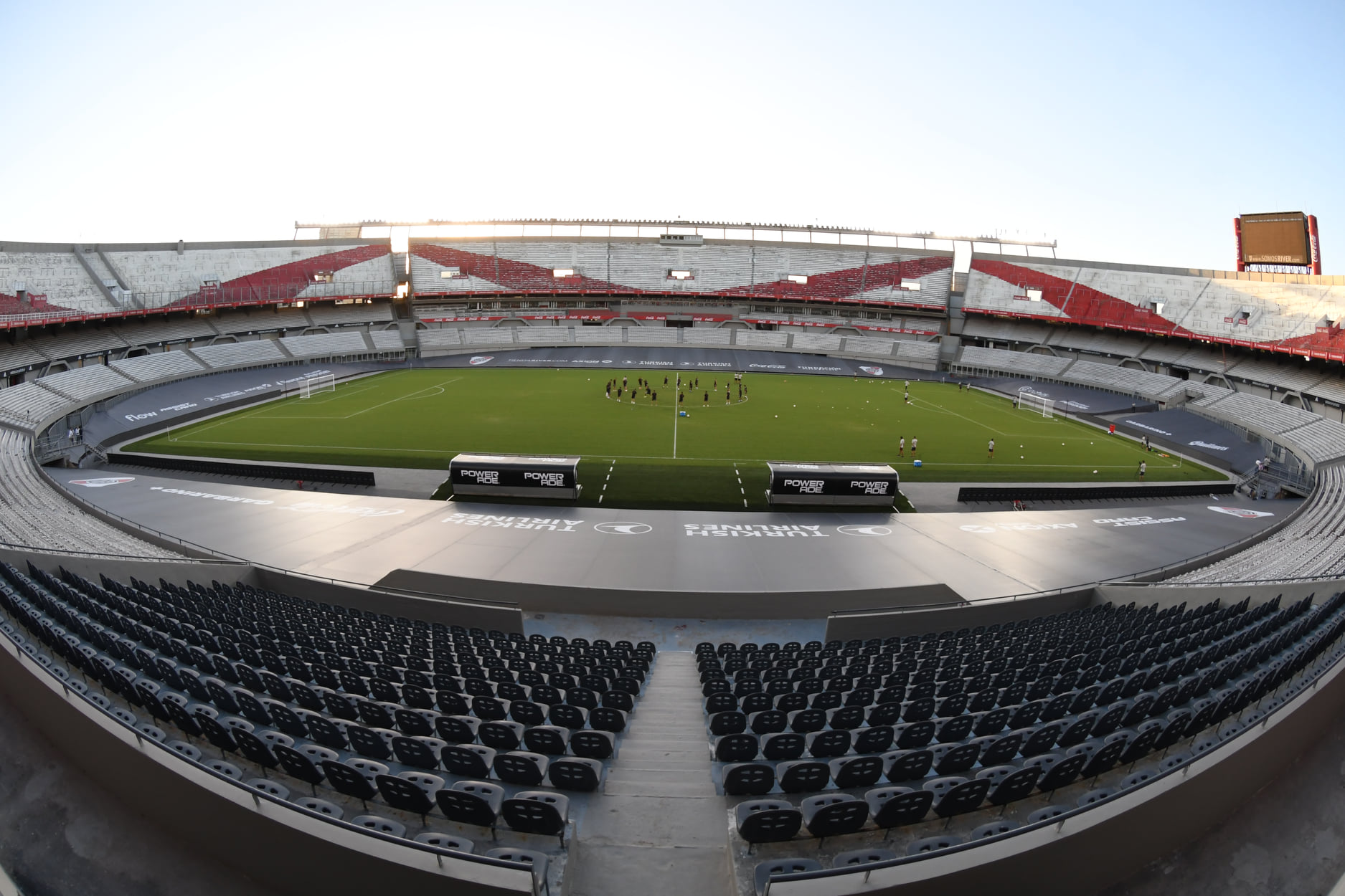 Estadio River