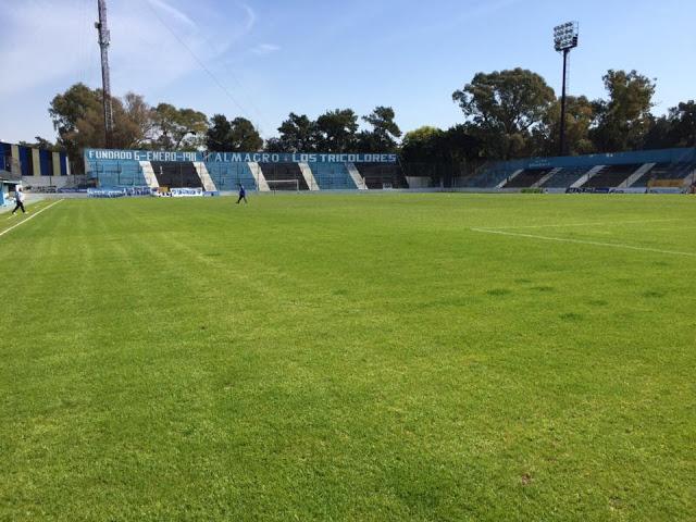 cancha club Almagro tribuna