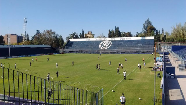 cancha Independiente Rivadavia catedral