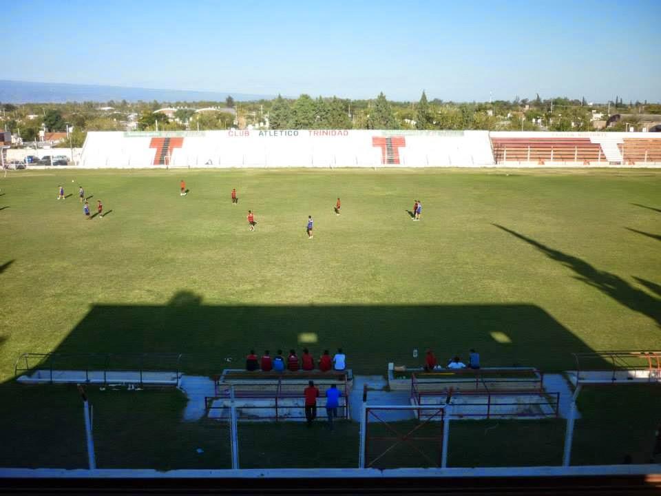 Estadio de Atlético Trinidad de San Juan tribuna lateral