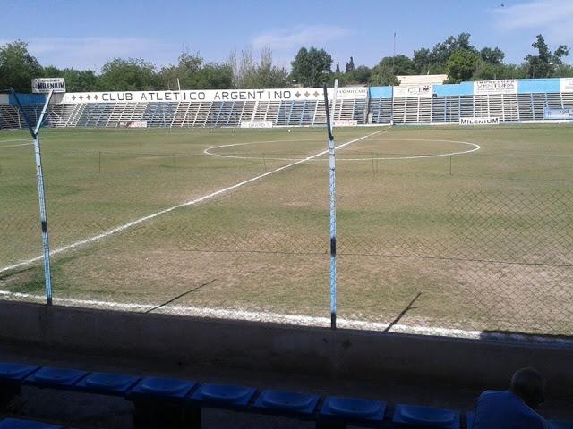 cancha de Atlético Argentino de Mendoza tribuna1