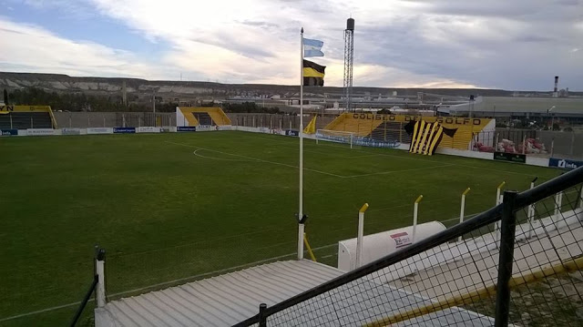 cancha Deportivo Madryn tribuna1