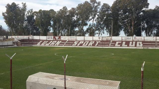 03cancha de Luján Sport Club tribuna lateral