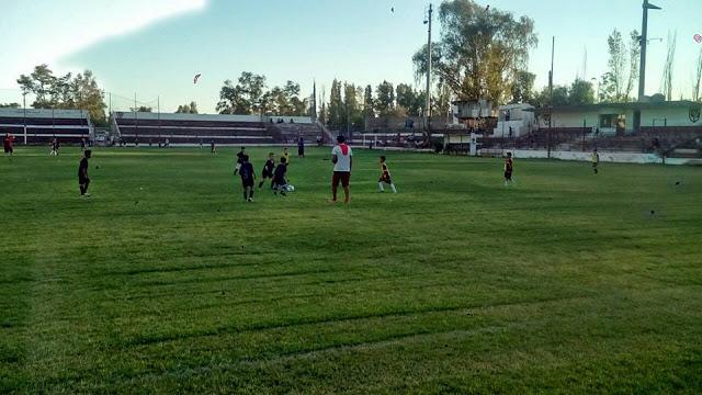 01cancha de Luján Sport Club platea