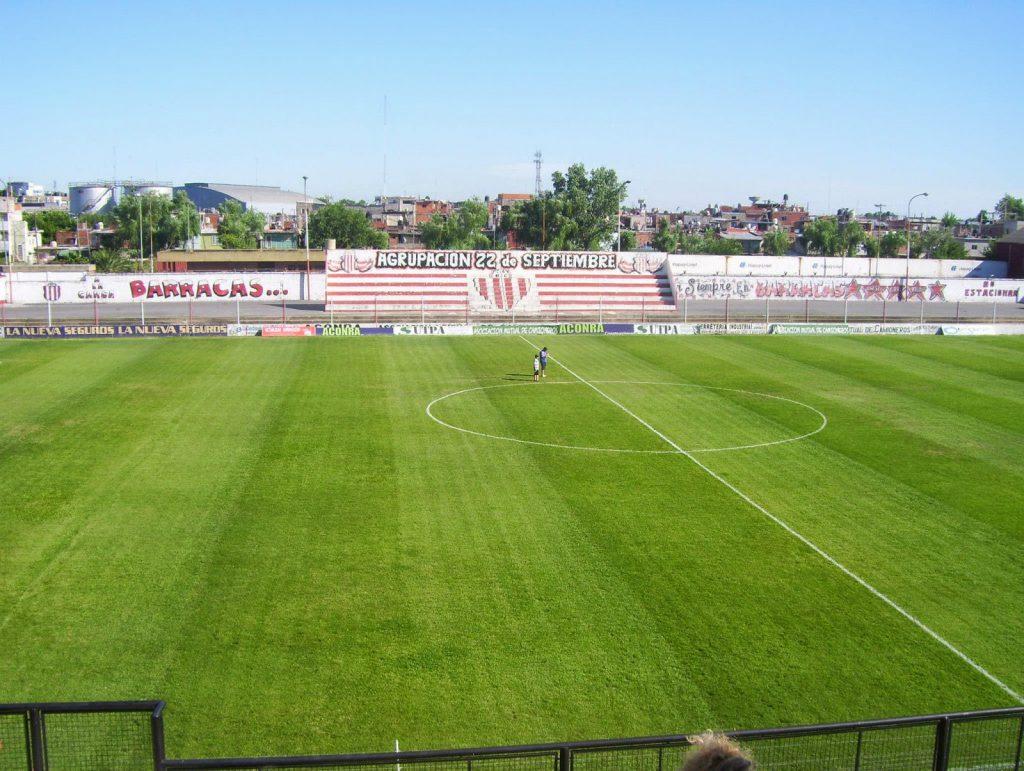 cancha Barracas Central tribuna