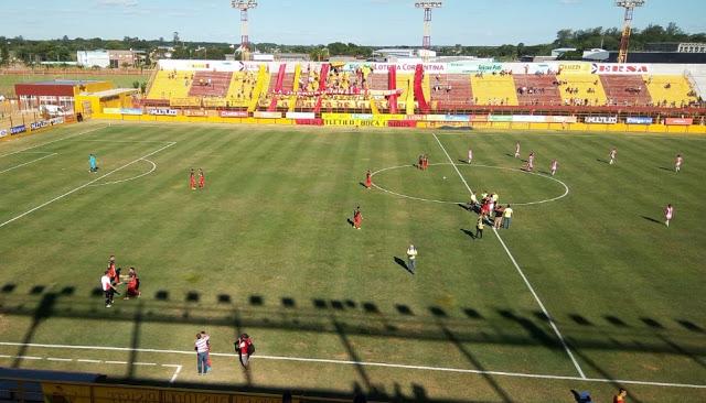 Boca Unidos Corrientes tribuna
