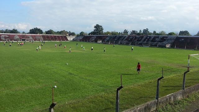 estadio Newbery Aguilares tribuna