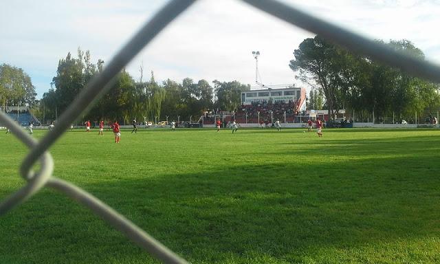 02cancha de Independiente de Río Colorado