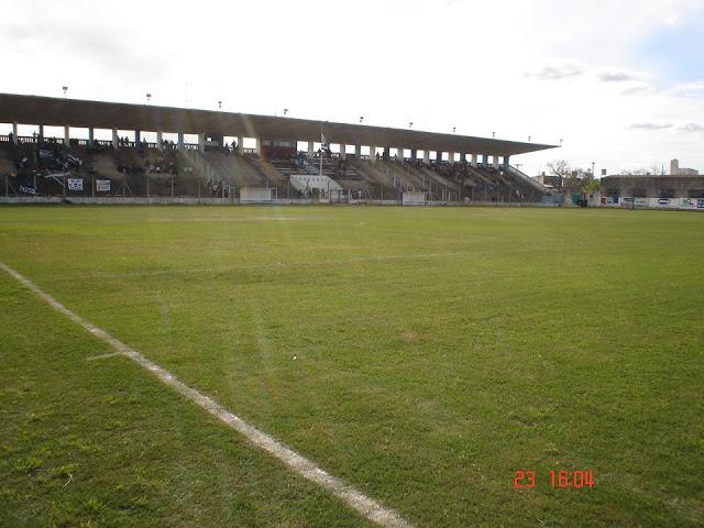 cancha de Gimnasia y Esgrima de Santa Fe tribuna