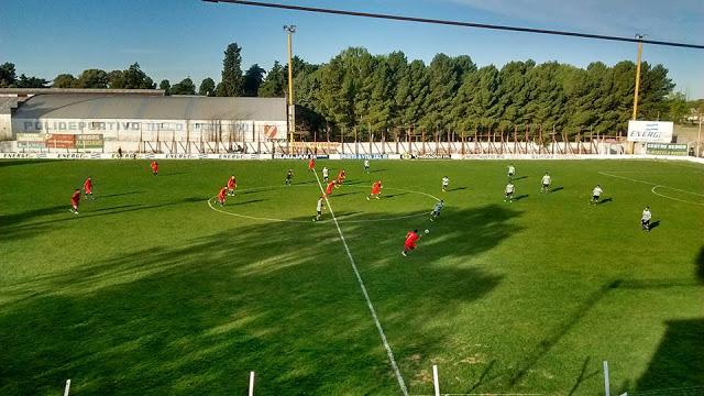cancha de Independiente de Río Colorado4
