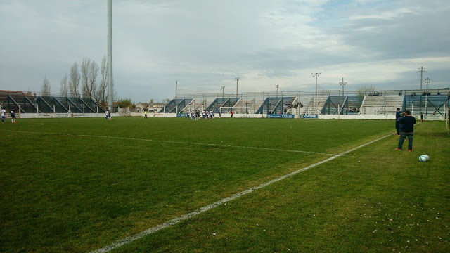 estadio Rivadavia Necochea tribuna