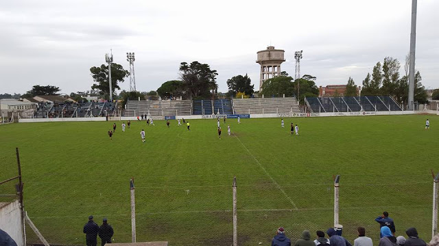 cancha de Rivadavia de Necochea3