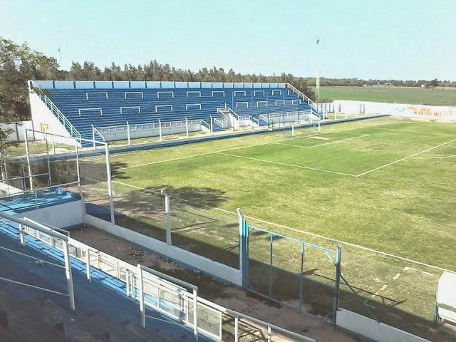 cancha de Deportivo Comercio de Santa Sylvina tribuna