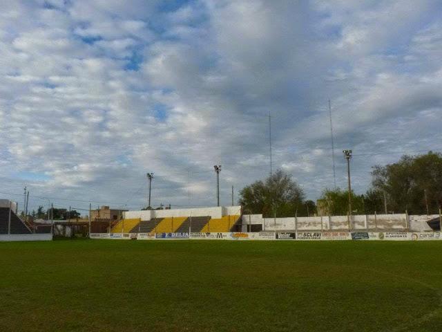 cancha Argentinos 25 de Mayo tribuna