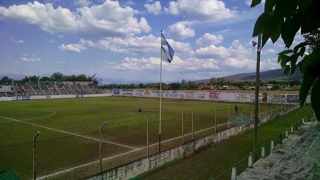 Estadio Atlético Chicoana de Salta atras del arco