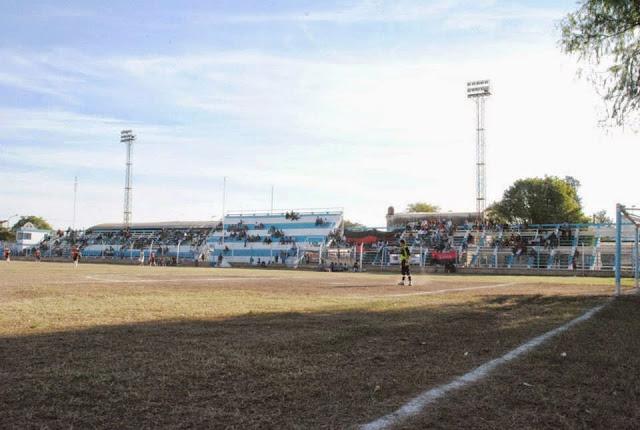 Estadio de Sportivo de Presidencia Roque Saenz Peña tribuna local