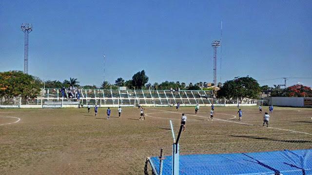 Estadio de Sportivo de Saenz Peña tribuna lateral