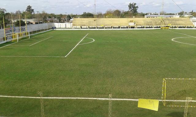 cancha de Belgrano de Curuzú Cuatiá tribuna