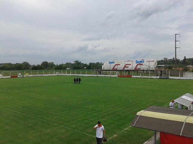 Estadio de Cañuelas FC tribuna2
