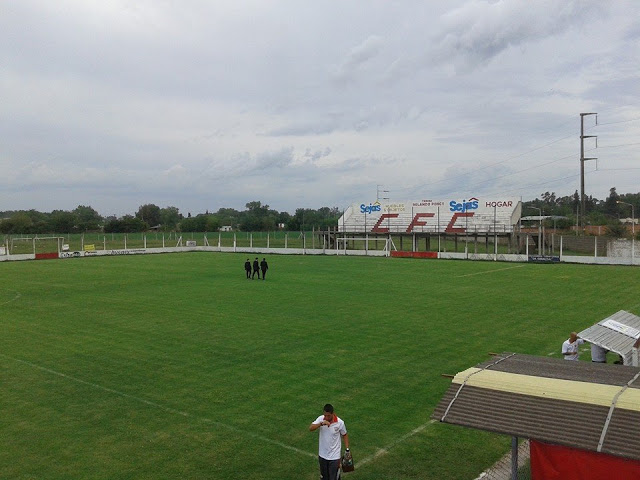 cancha Cañuelas FC tribuna