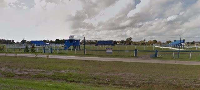 Estadio de Coronel Vidal desde afuera