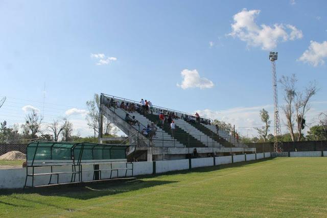 Estadio de Apinta de Mercedes tribuna1
