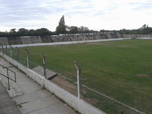 cancha de Central Córdoba de Frías tribuna