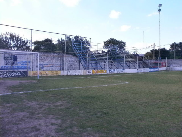 Estadio de Racing Club de Reconquista tribuna1