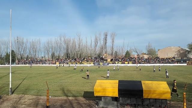 Estadio Unión Catriel3