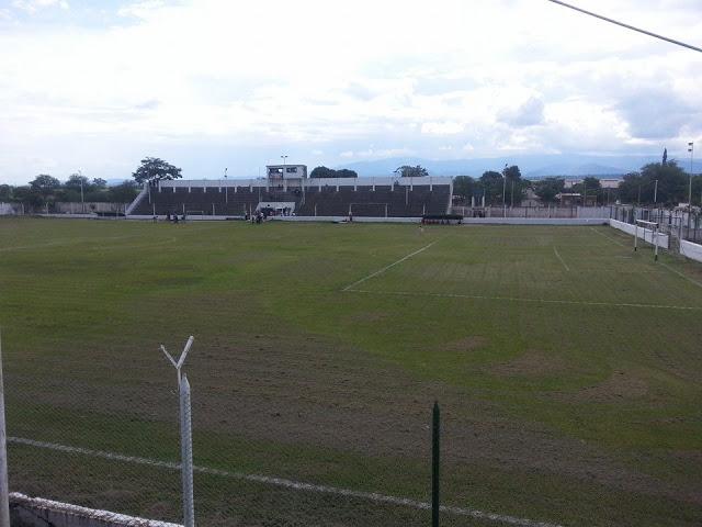 cancha de Atlético La Esperanza de Jujuy tribuna2