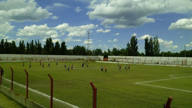 cancha del Deportivo Bowen de Mendoza6