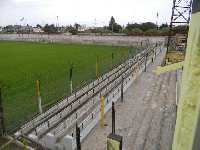 cancha de El Nacional de Tres Arroyos tribuna