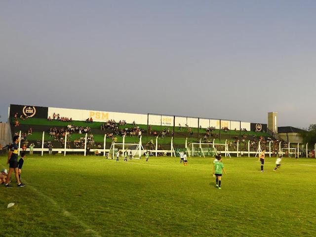 Polideportivo de Puerto General San Martín tribuna
