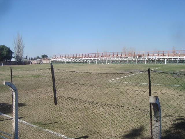 cancha de Fray Luis Beltrán tribuna
