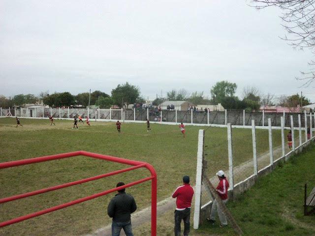 cancha de Deportivo Las Flores de Federal tribuna