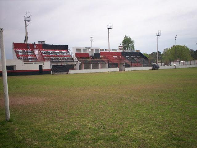 cancha de Defensores de Plaza España tribunas2