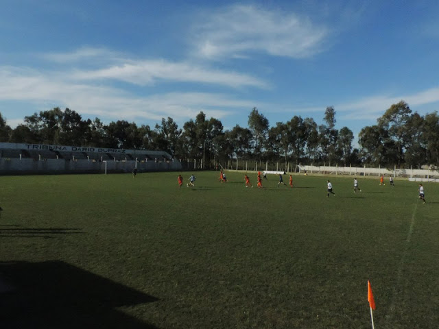 cancha de Deportivo Coreano tribuna
