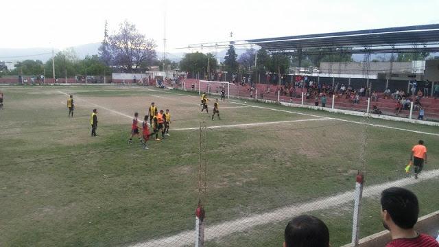 cancha de Independiente de Chilecito tribuna2
