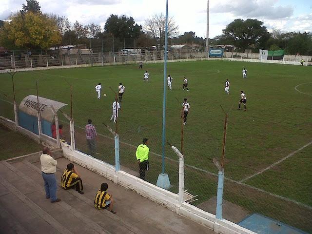 Estadio de la Liga Metanense de Fútbol tribuna1
