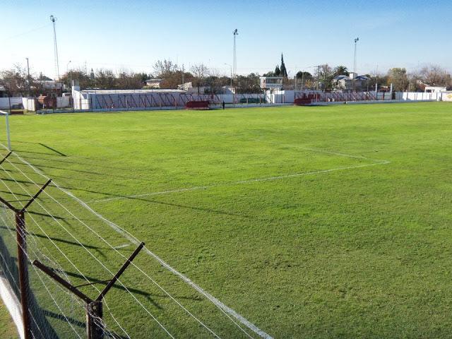 cancha de Atlético María Grande tribunas2