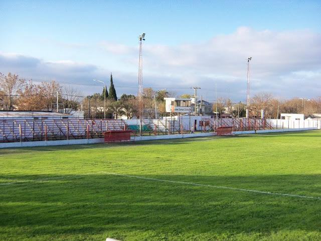 cancha de Atlético María Grande tribunas