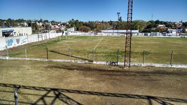 cancha de Peñarol de Paraná4