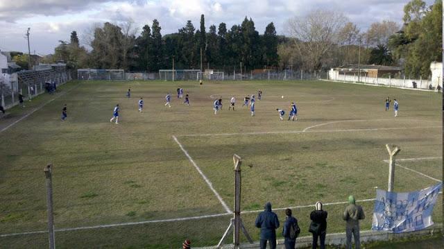 cancha de Atlético Paraná de San Nicolás2
