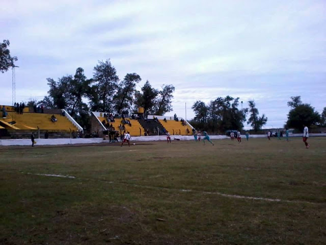 cancha de Atlético Clodomira tribunas