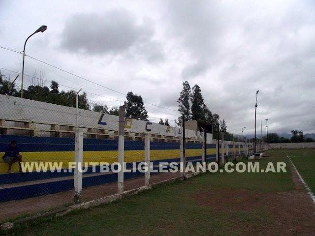 cancha de Deportivo Progreso de Tinogasta tribuna1