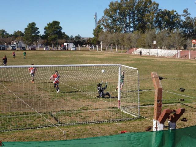cancha de Atlético Macachín5