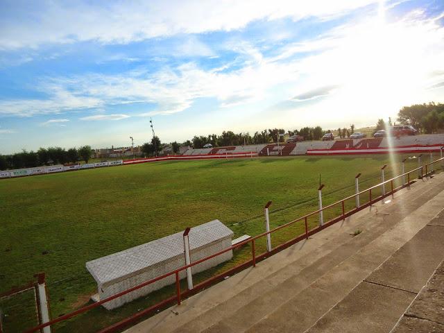 cancha de Atlético Macachín tribuna2