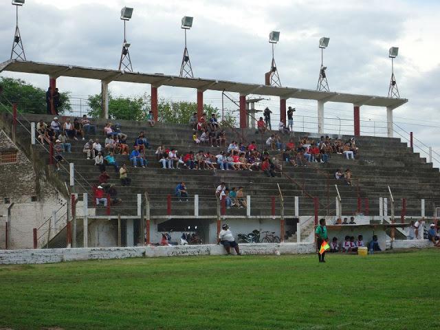 cancha de Atlético San Pedro de Jujuy tribuna2