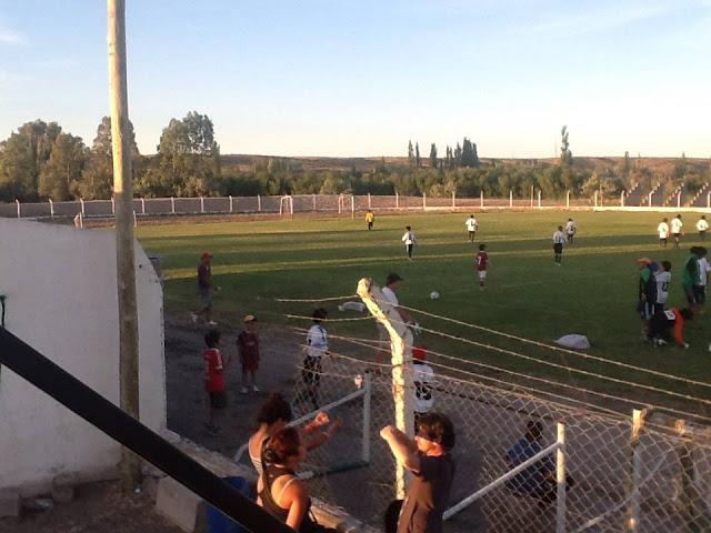 cancha de Deportivo Dolavon2
